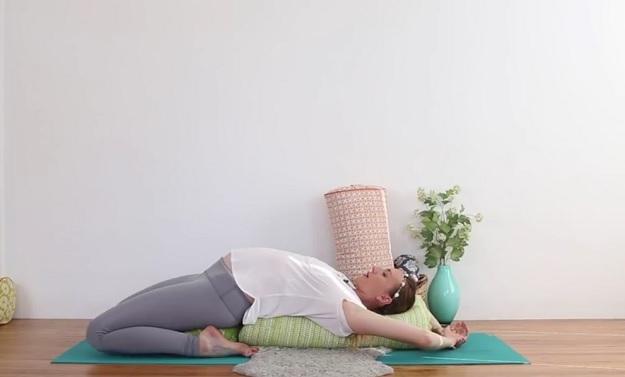 Yoga fusion breath meditation class