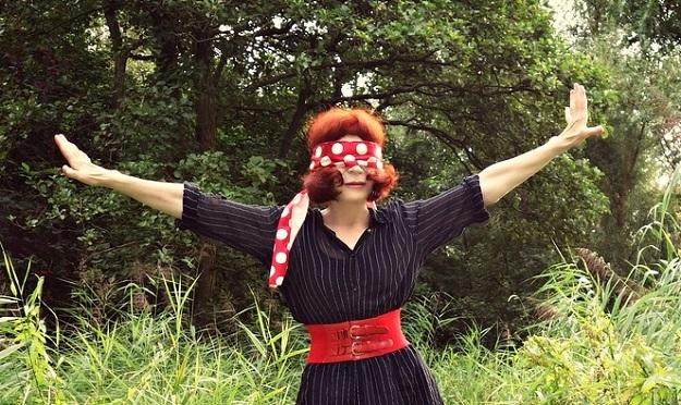 Benefits of blindfolded yoga