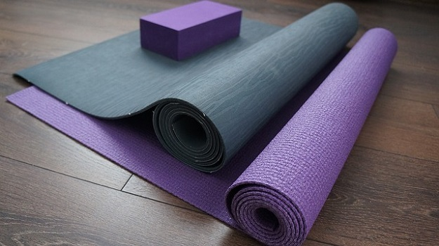 What to do with your old yoga mat