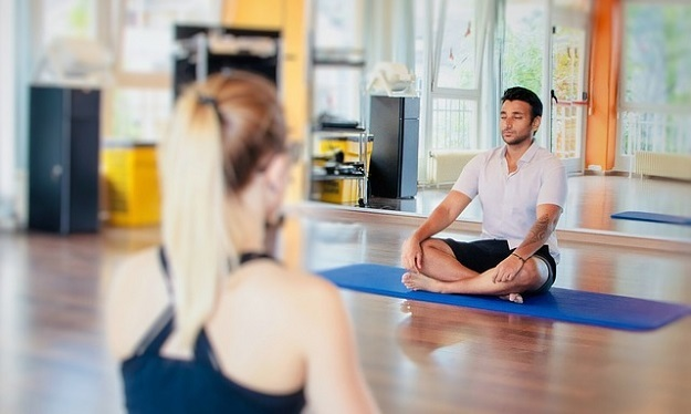 Tips for men starting yoga