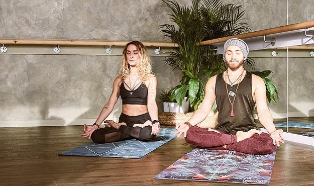 Practicing non-judgement in yoga