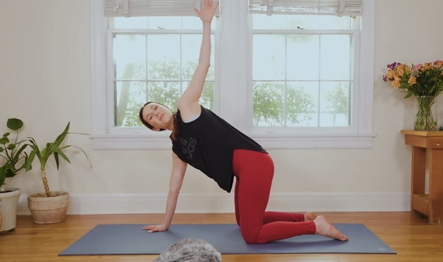 10-minute yoga for neck, shoulders, and upper back pain