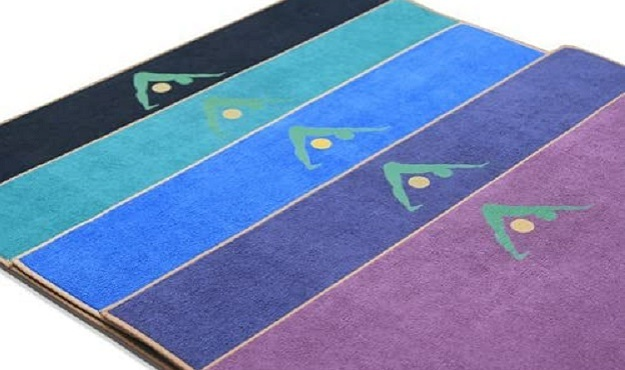 Aurorae Synergy Integrated Yoga Mat/Towel Review