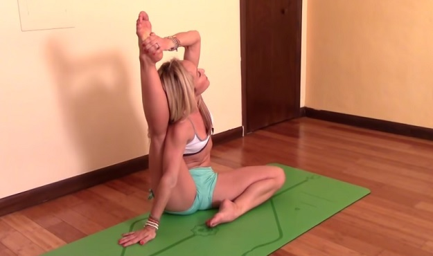 Seated Compass Pose tutorial