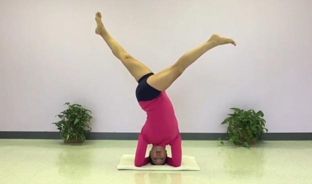 Revolved Split-Legged Headstand Pose tutorial