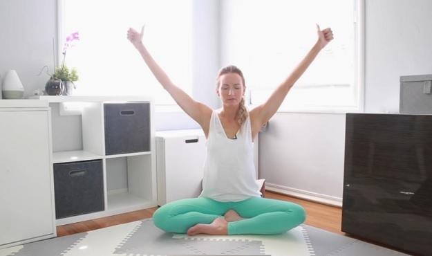 Beginner Kundalini yoga video for weight loss
