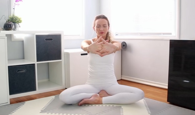Beginner Kundalini yoga video for anxiety
