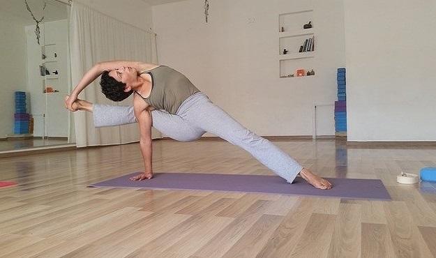 Visvamitra's Pose tutorial