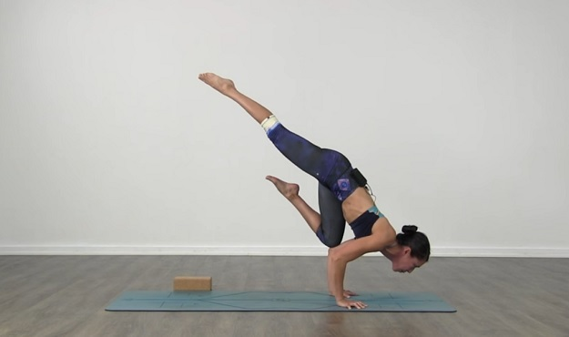 Flying Crow Pose tutorial