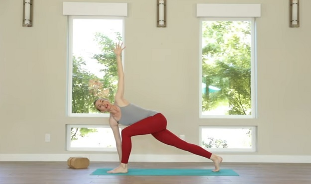 15-minute yoga twist flow practice video