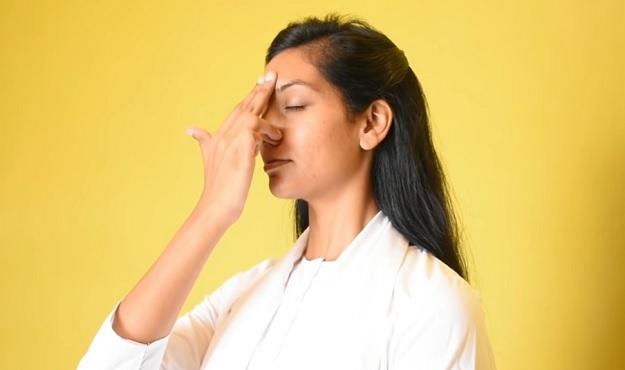 Nadi shodhana breath technique