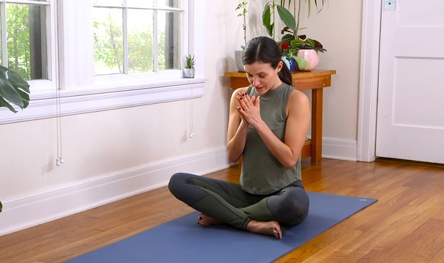 Heart chakra yoga flow class
